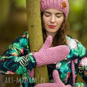 różowe rękawiczki kwarcowy