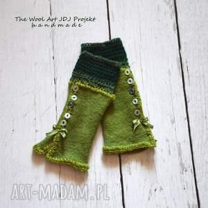 - zielone rękawiczki