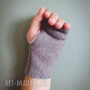 rękawiczki mitenki ćma
