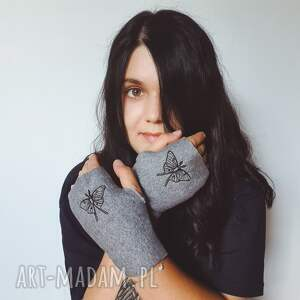 czarne rękawiczki księżyc mitenki ćma