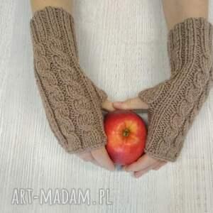 niebanalne rękawiczki mitenki robione na drutach