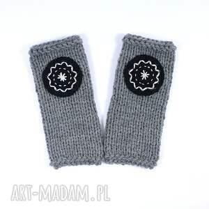 unikalne rękawiczki mitenki szare z kołem