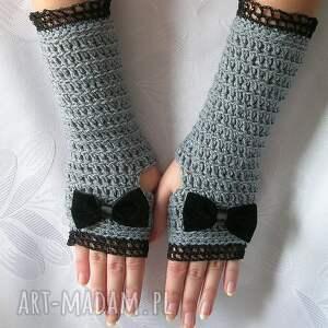 wyjątkowe rękawiczki - mitenki szare z czarną