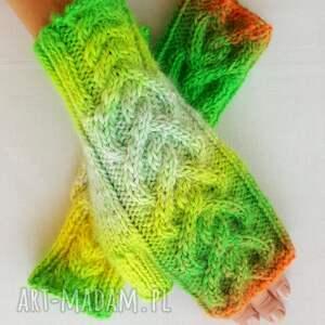 żółte rękawiczki ciepłe tęczowe serca