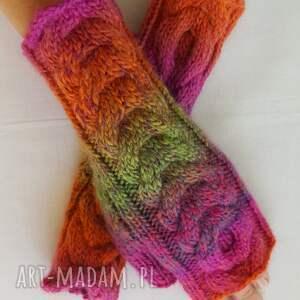 rękawiczki: Tęczowe z różem - zimowe modne