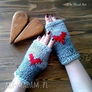 ręcznie robione rękawiczki walentynkowe