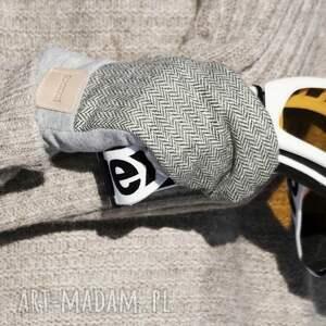 wygodne rękawiczki szare wełniane rękawice z motywem