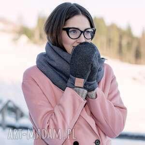 niebanalne rękawiczki wełna wygodne wełniane rękawice z motywem