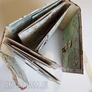 interaktywny scrapbooking kartki album hidden hinge