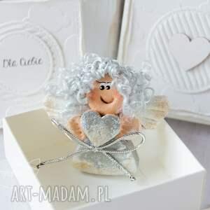 ręcznie robione scrapbooking kartki anioł aniołek stróż z kartką w mini