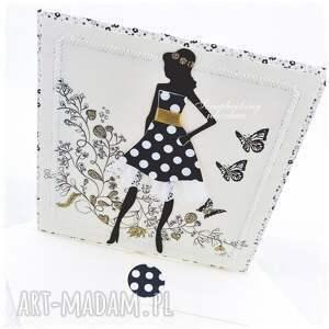 kobieta scrapbooking kartki beżowe projekt autorski. oryginalna kartka w kobiecym