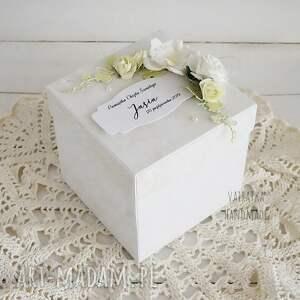 białe scrapbooking kartki chrzciny cały w bieli - exploding box