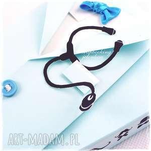 białe scrapbooking kartki doktor fartuch lekarski - kartka dla niego