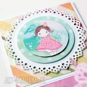 scrapbooking kartki dziewczynka pudełko - niespodzianka na urodziny