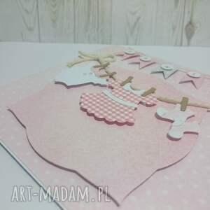 różowe scrapbooking kartki urodziny karta z maluszkowym ciuszkiem w
