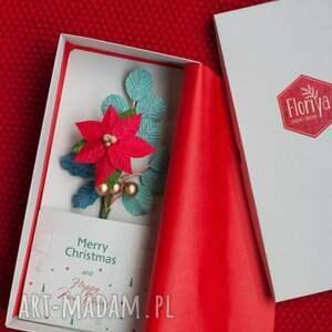 pomysł na świąteczny prezent merry christmas red paper flowers card