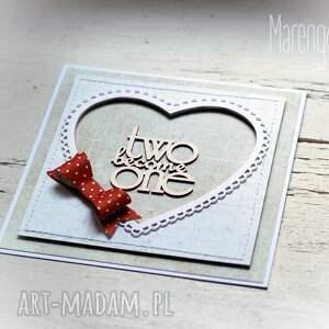 scrapbooking kartki kartka ślubna z czerwoną kokardą