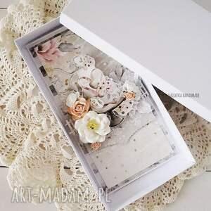 niepowtarzalne scrapbooking kartki kartka ślubna w pudełku