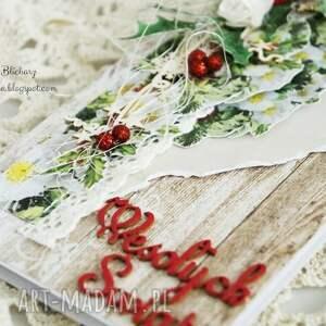 pomysł na upominki na święta czerwone kartka świąteczna (w