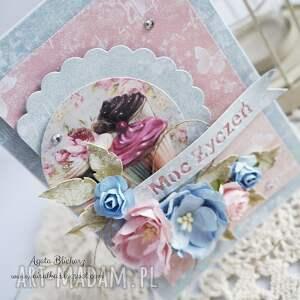 niebieskie scrapbooking kartki kartka urodzinowa z muffinkami