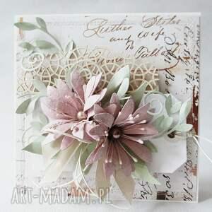 życzenia scrapbooking kartki różowe kartka w pudełku z ozdobnym szyldem
