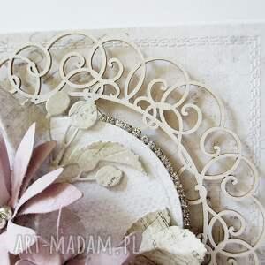 scrapbooking kartki życzenia kartka z kwiatami w pudełku