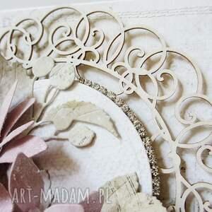 ślub scrapbooking kartki białe kartka z kwiatami w pudełku