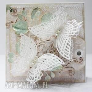 białe scrapbooking kartki ślub motyle - kartka w ozdobnym pudełku