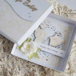 efektowne scrapbooking kartki na chrzest - z biał&#261