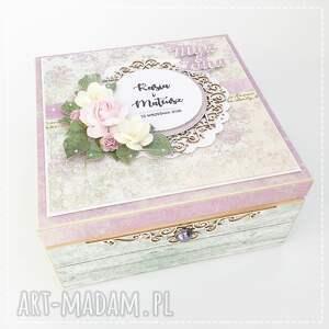 białe scrapbooking kartki pamiątka ślubu niezbędnik małżeński młodej