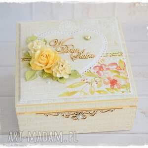 beżowe scrapbooking kartki pudełko ślubne niezbędnik małżeński
