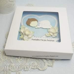 ręczne wykonanie scrapbooking kartki chrzest pamiątka chrztu św. w pudełku