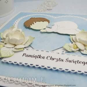 białe scrapbooking kartki serca pamiątka chrztu św. w pudełku