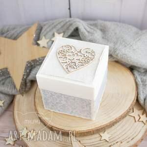 białe scrapbooking kartki roczek przepiękne eksplodujące pudełeczko