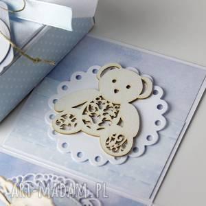 białe scrapbooking kartki narodziny pudełko - kartka - prezent z okazji