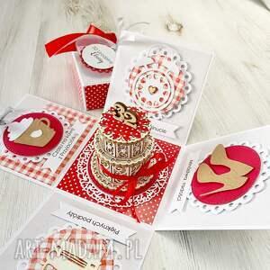 kartka scrapbooking kartki czerwone pudełko na urodziny