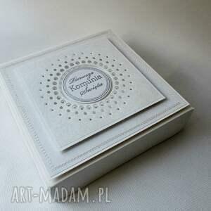 białe scrapbooking kartki komunia pudełko z życzeniami -
