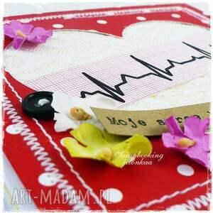 białe scrapbooking kartki ekg serce - kartka