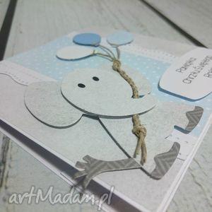 białe scrapbooking kartki urodziny słonik z balonami w błękicie