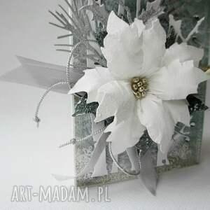 prezent pod choinkę turkusowe świąteczne życzenia