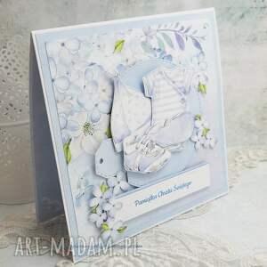 białe scrapbooking kartki ubranka - pamiątka chrztu św