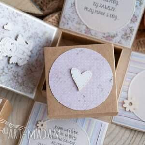 hand-made scrapbooking kartki chrzest urocze eksplodujące pudełeczko