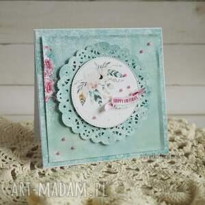 ręcznie wykonane scrapbooking kartki urodzinowa z piórkami