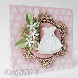 scrapbooking kartki pamiątka w białej sukience - pudełku