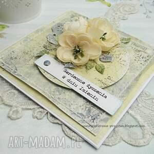 szare scrapbooking kartki imieniny bogato zdobiona z ręcznie wykonanym tłem