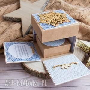 niebieskie scrapbooking kartki paramłoda wyjątkowe pudełeczko ślubne dla