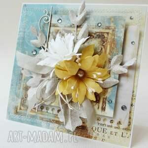 hand-made scrapbooking kartki gratulacje z kwiatami - kartka w pudełku