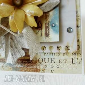 hand-made scrapbooking kartki imieniny z kwiatami - kartka w pudełku
