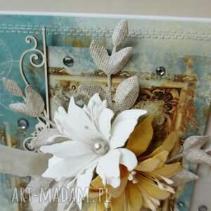 scrapbooking kartki imieniny z kwiatami - kartka w pudełku