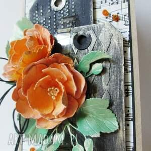 urodziny scrapbooking kartki z kwiatami - w pudełku